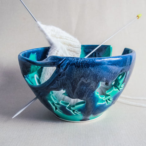 Ceramic Yarn Bowl, Yarn holder, Mint Frog Emerald Green Frogs Blue Twisted Leaf