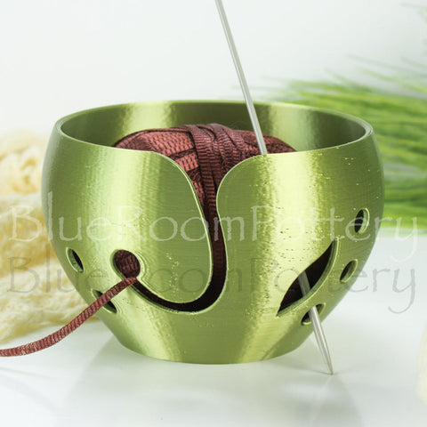 Yarn bowl Olive green leaf Regular Knitting Bowl 3D printed eco friendly plastic Travel Crochet bowl knitter gifts 5.5 inch Yarn holder