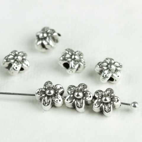 4 Antique Silver Flower Daisy Spacer Beads European zamac