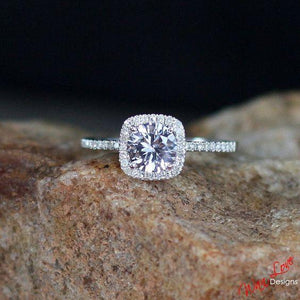 Diamond Round Halo Ring - GenieMania Fr