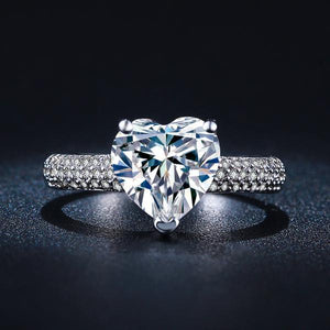 Classic Heart Diamond Queens Ring