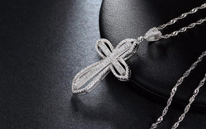 Diamond Cross Pendant Necklace - GenieMania Fr