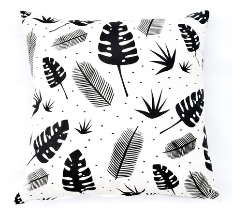 In the Jungle - black - pillow case