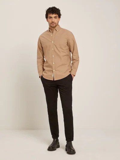 frank & oak - the jasper oxford shirt in kelp