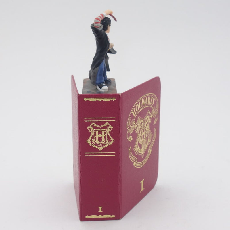 Harry Potter Die Cast  Figure inside Book