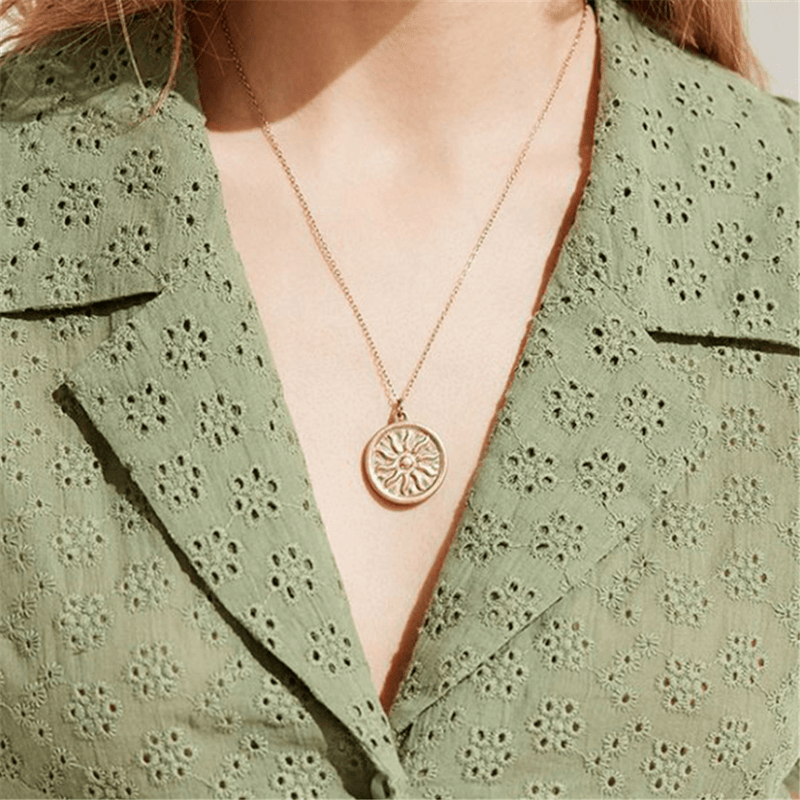 Fashion Simple Retro   Sun Necklace