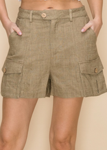 Load image into Gallery viewer, Cargo Shorts With Pocket Details