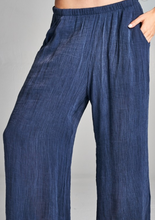Load image into Gallery viewer, Washed Crinkle Pocket Pant with Lined Inside
