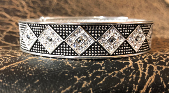 Western Edge Diamond Crystal Bracelet TBBC2562
