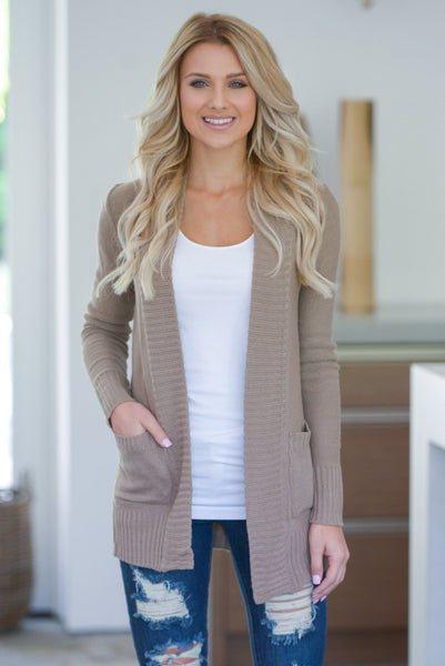 7 Closet Essentials for Fall womens fall outfit ideas at closet candy 3
