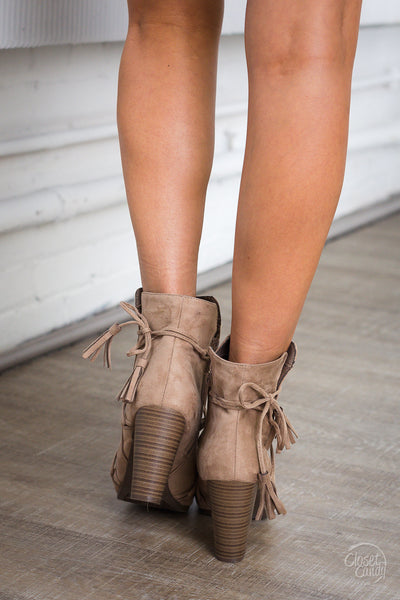 Outside the Lines Booties - Natural