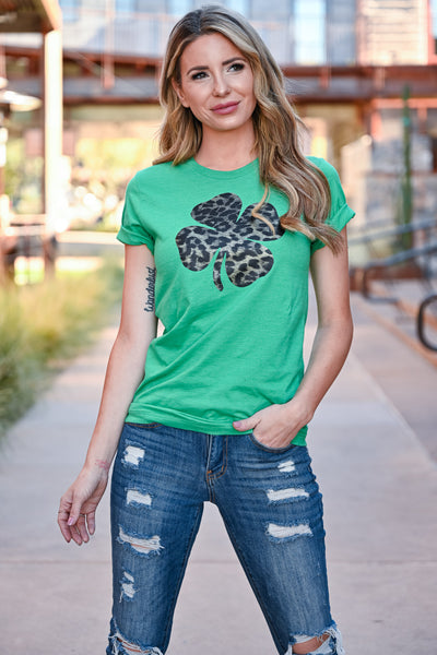 Lucky Leopard Graphic Tee - Kelly Green womens casual leopard print four leaf clover tshirt closet candy front