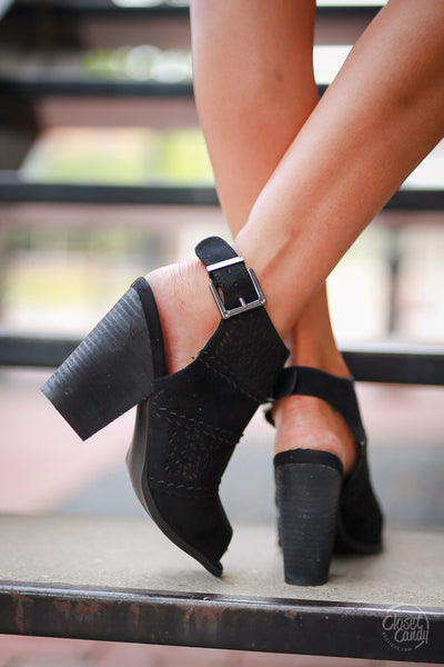Watch Me Strut Sandals - Black