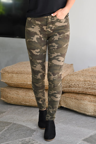 GRACE & LACE Camo Jeggings womens trendy printed Camo long stretchy pant closet candy front