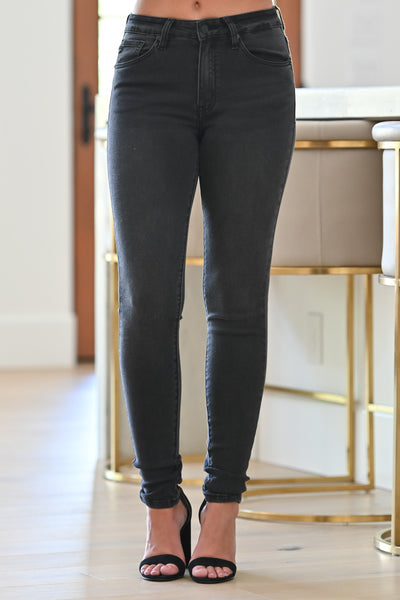 KAN CAN Fiona Skinny Jeans - Faded Black womens trendy faded black wash skinny jeans closet candy front; Model: Hannah Ann S