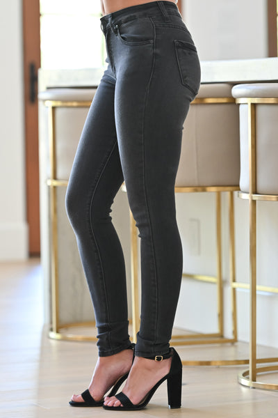 KAN CAN Fiona Skinny Jeans - Faded Black womens trendy faded black wash skinny jeans closet candy side; Model: Hannah Ann S