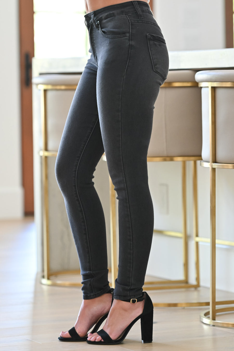 KAN CAN Fiona Skinny Jeans - Faded Black womens trendy faded black wash skinny jeans closet candy close; Model: Hannah Ann S