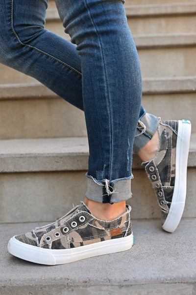 Wherever You Wander Sneakers - Natural Camo womens casual comfortable tennis shoes closet candy side