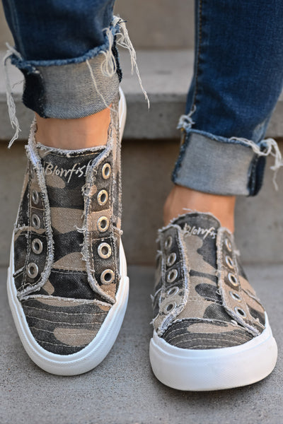 Wherever You Wander Sneakers - Natural Camo womens casual comfortable tennis shoes closet candy front