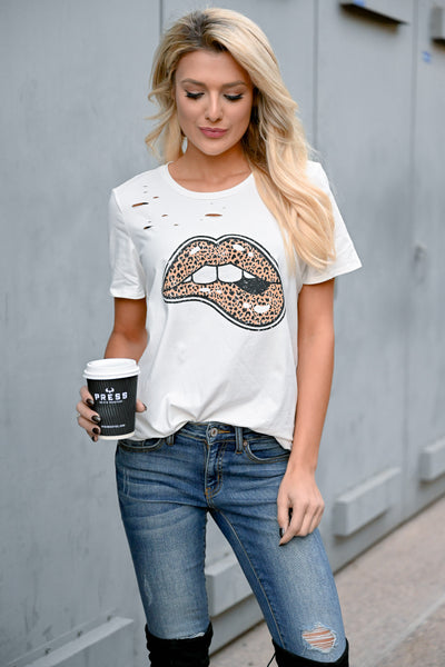 Lips Are Sealed Graphic Tee - Ivory womens trendy short sleeve distressed round neck t-shirt closet candy front 3