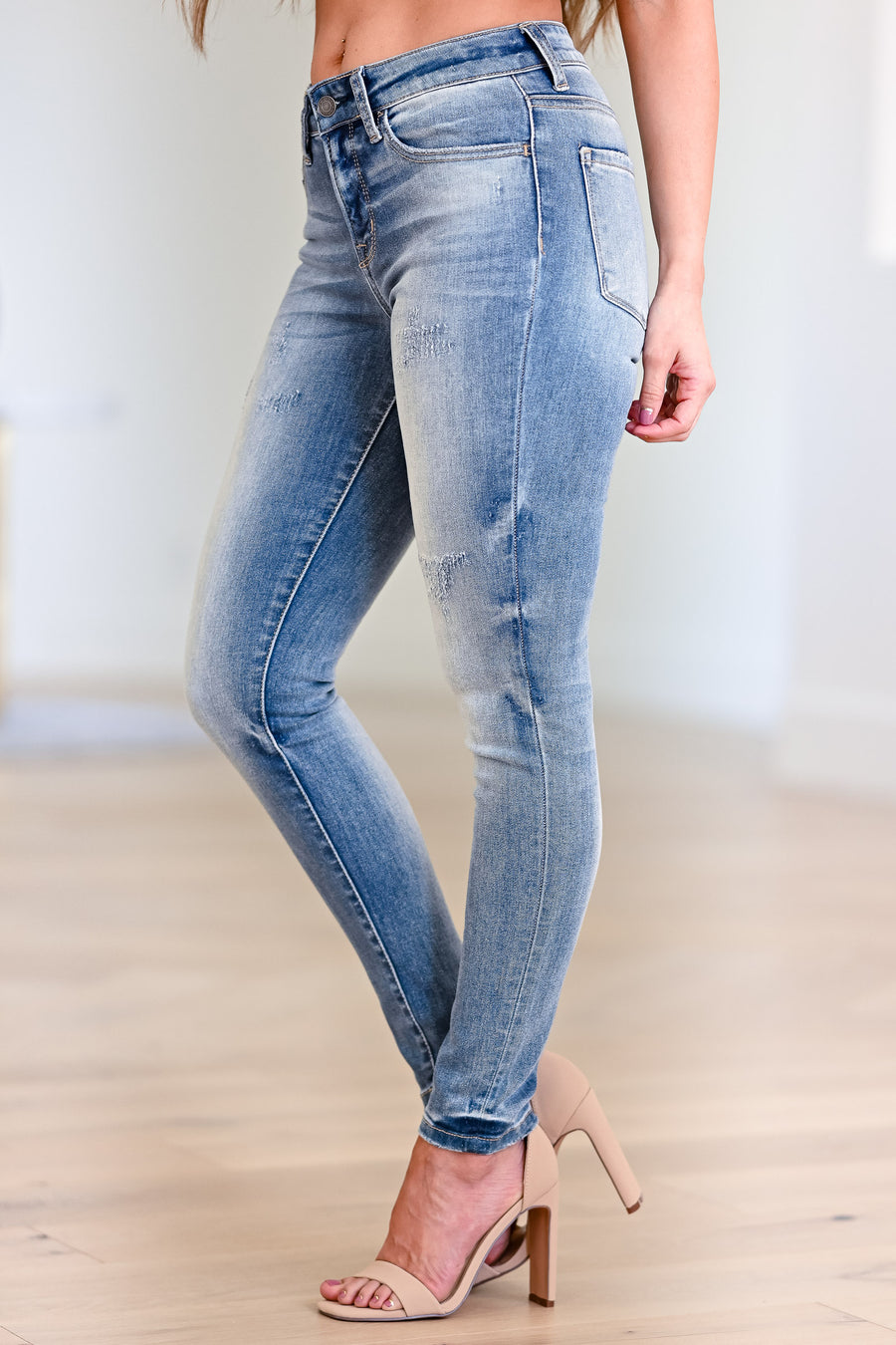 VERVET Amber Skinny Jeans - Faded Wash womens casual faded wash skinny jeans closet candy front