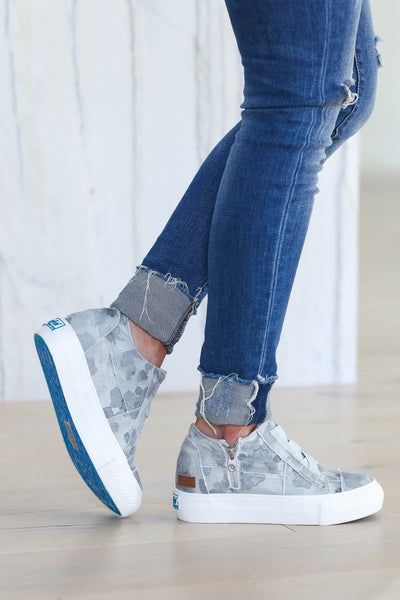 Walk That Way Wedge Sneaker - Grey Camo closet candy women's trendy wedge sneakers side2