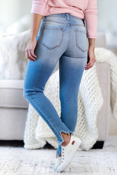 KAN CAN Sabrina Exposed Button Raw Hem Jeans - Light Wash womens casual exposed button distressed light wash jeans closet candy back