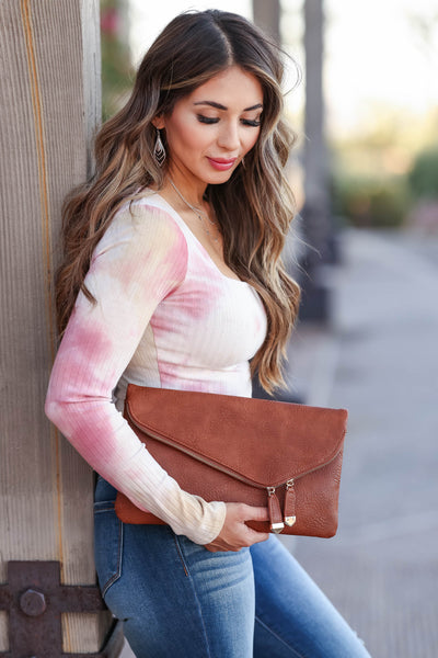 Jessica Vegan Leather Clutch - Tan womens trendy envelope clutch with zipper closet candy front 2