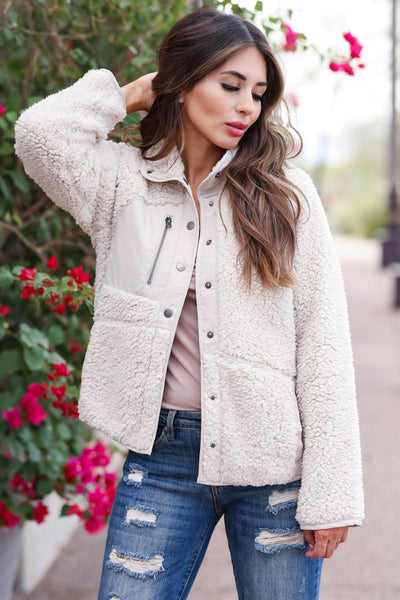 MYSTREE Telluride Sherpa Jacket - Natural womens trendy sherpa zip up jacket closet candy close up