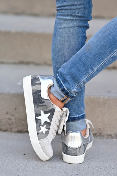 Keep On Running Sneakers - Camo Camo lace up sneakers with taupe contrast and star design. Comfortable, cushioned insole closet candy back