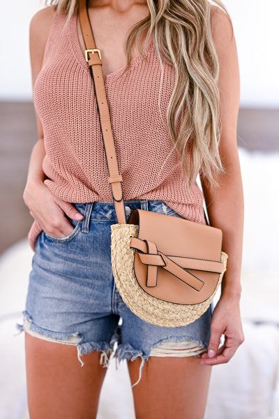 Sunny Days Crossbody Purse - Tan womens trendy straw detail crossbody bag closet candy front