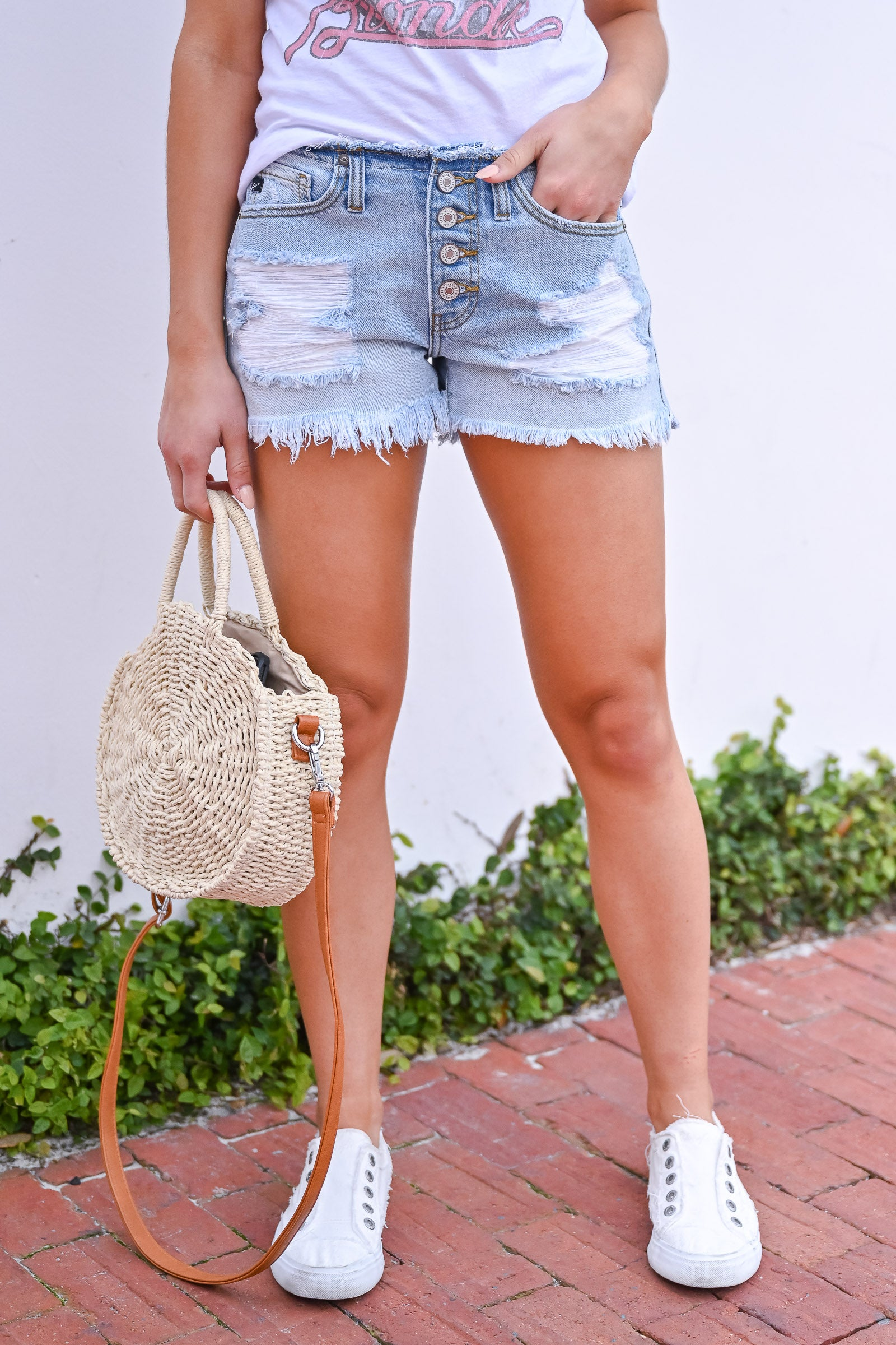 MACHINE JEANS MID WASH DISTRESSED DENIM SHORTS LOW RISE WITH FRAY BOTTOM