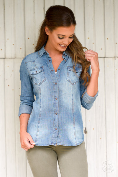 My Way Chambray Top - Medium Wash