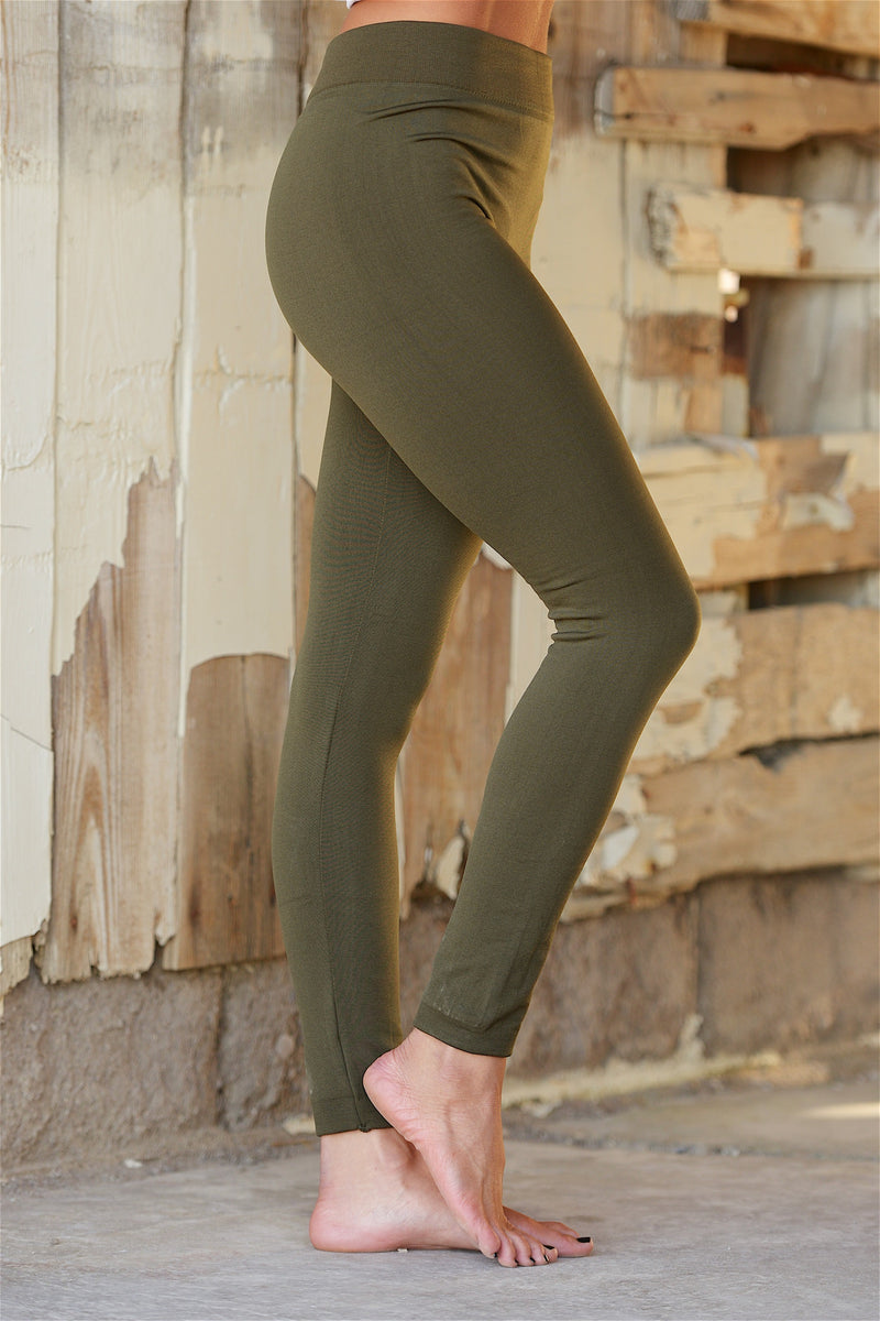 Must Have Wedding Poses: Must Have Fleece Leggings