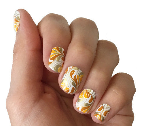 Golden Grooves - nail wraps - Scratch - 1