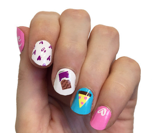 Love is … - nail wraps - Scratch - 1