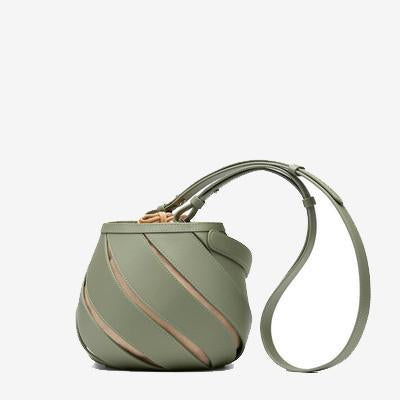 Art-Meets-Style Bucket Bag Green