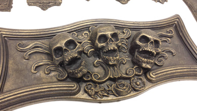 Triple Skulls Plaque Coffin/tombstone resin decor