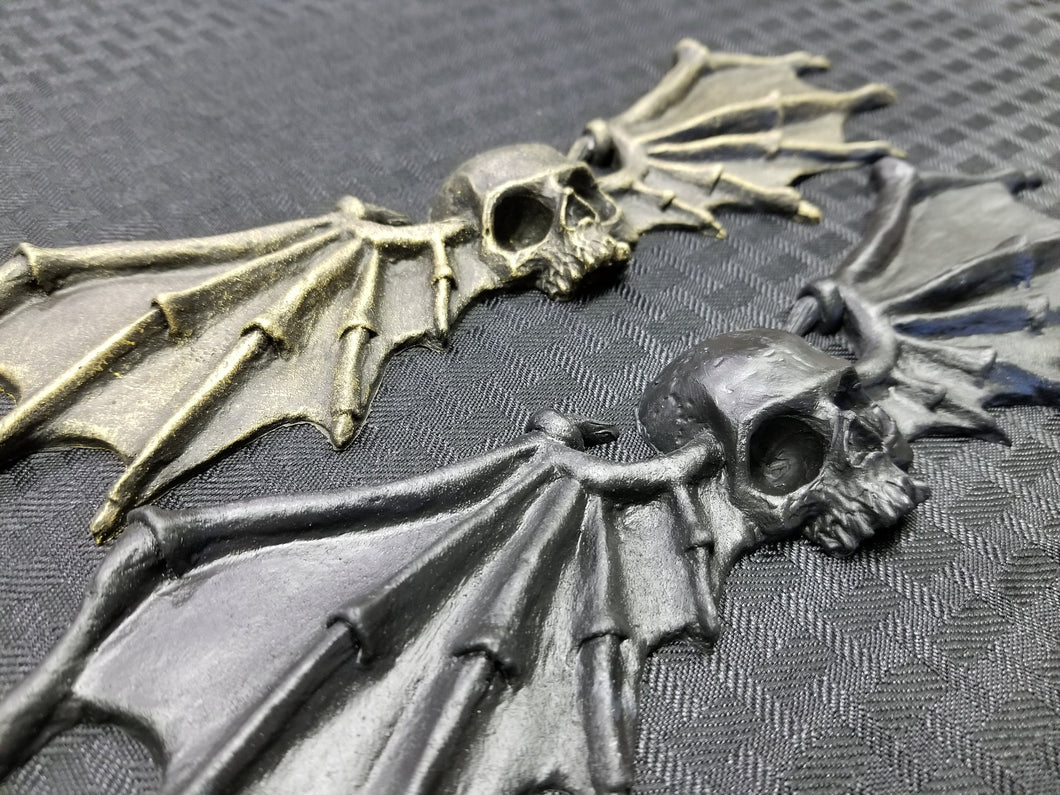 Skull and Wings ornament (resin)