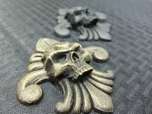 Load image into Gallery viewer, Skull and Fleur-de-lis (resin)