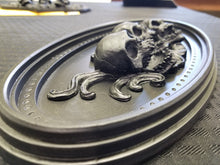Load image into Gallery viewer, Skull  ornament (resin)