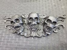 Load image into Gallery viewer, Triple Skull ornament (resin)