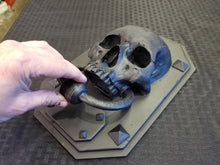Load image into Gallery viewer, Skull Door Knocker