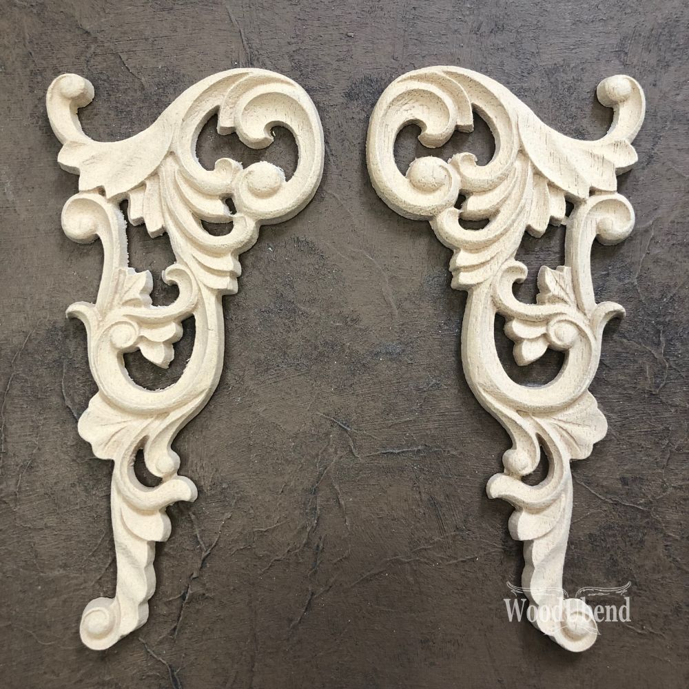 Pair of Corner Scrolls - 2102 (pair)