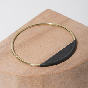 Minimalist bangle handmade by artisans in Nepal