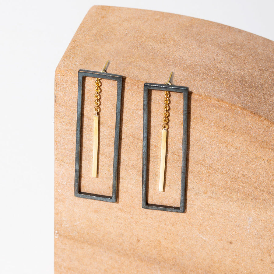 MULXIPLY Foundation 2-in-1 Earrings - Oxidized Brass