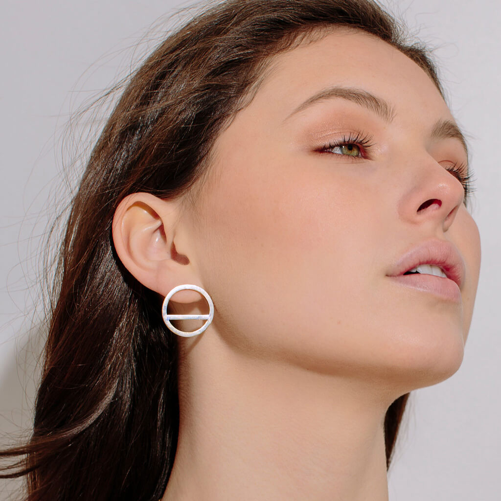 MULXIPLY Wink Circle Earrings - Sterling Silver