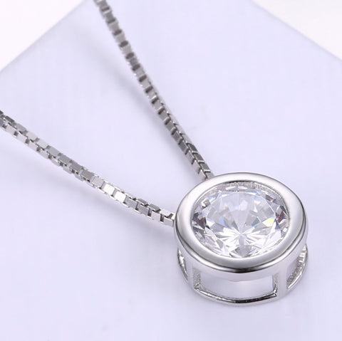925 Sterling Silver Simple Crystal Round Pendant Necklace