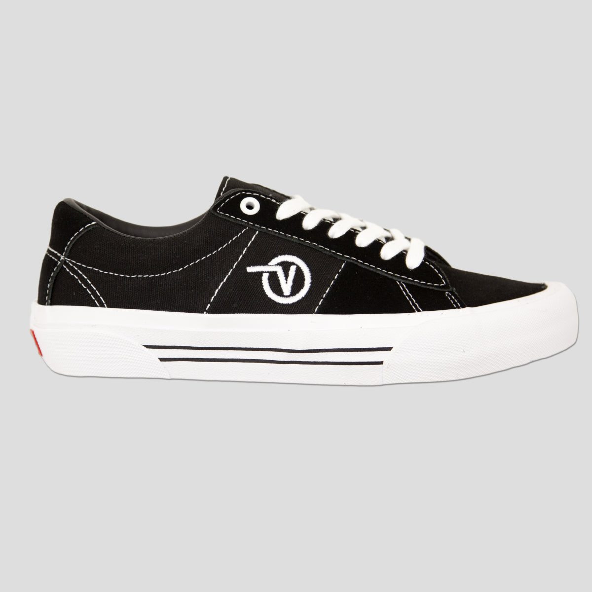 "VANS ""SADDLE SID PRO"" SHOE BLACK/WHITE"