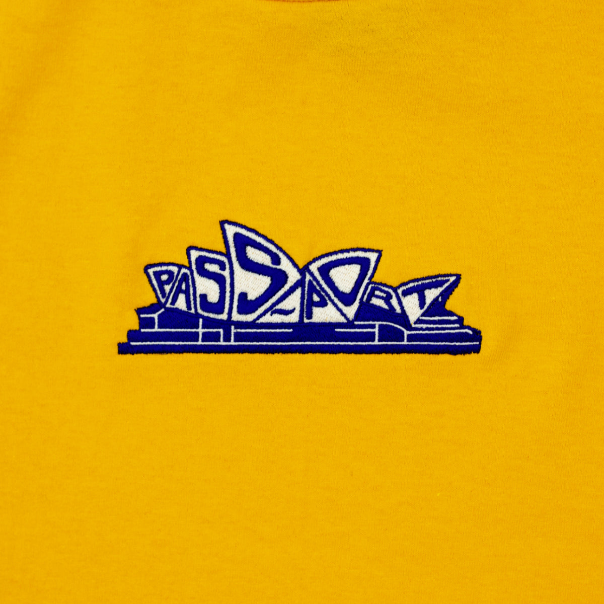 "PASS~PORT ""PREMIERE"" TEE GOLD"